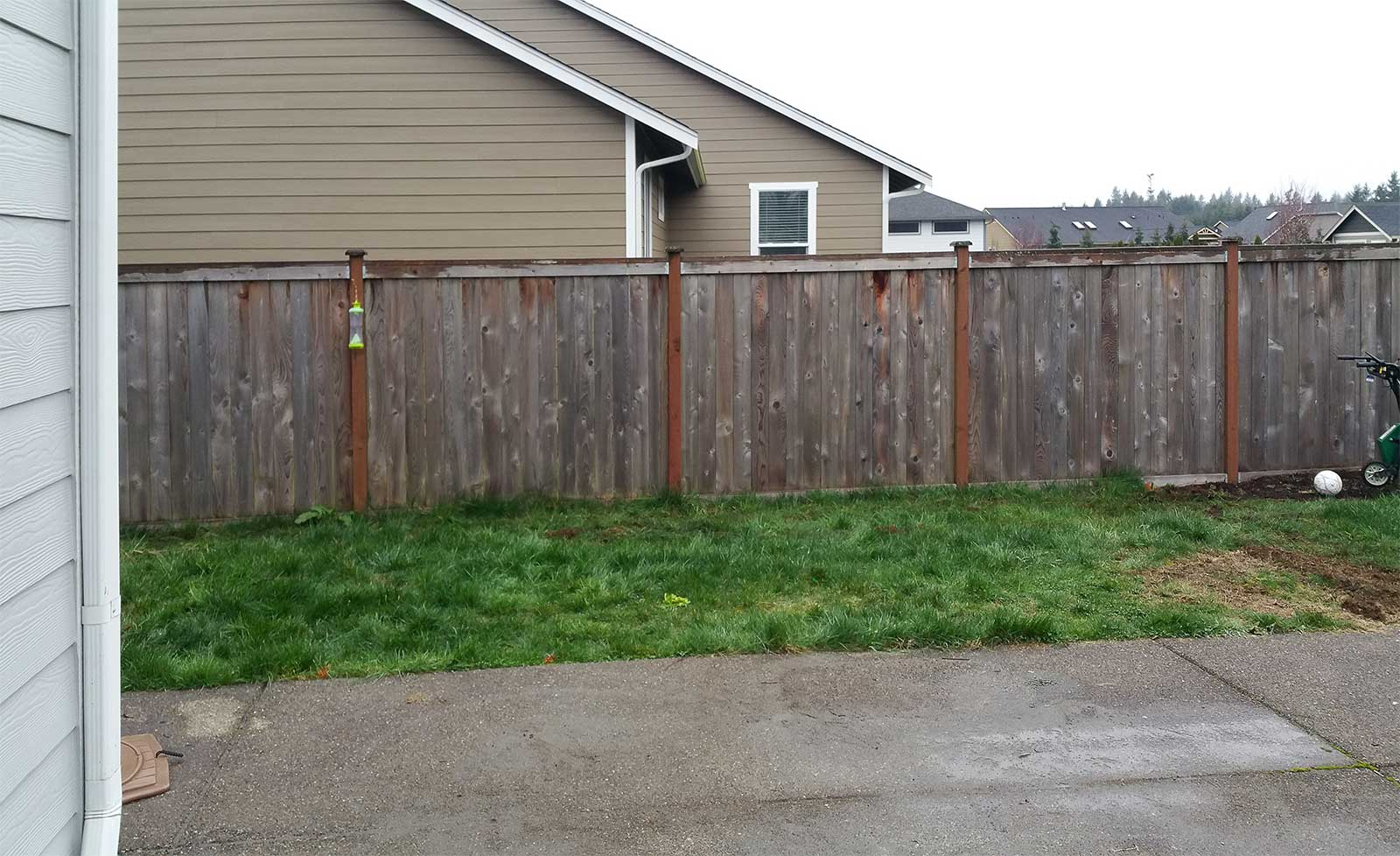East Olympia Kennel With Cedar Chips Ajb Landscaping Amp Fence