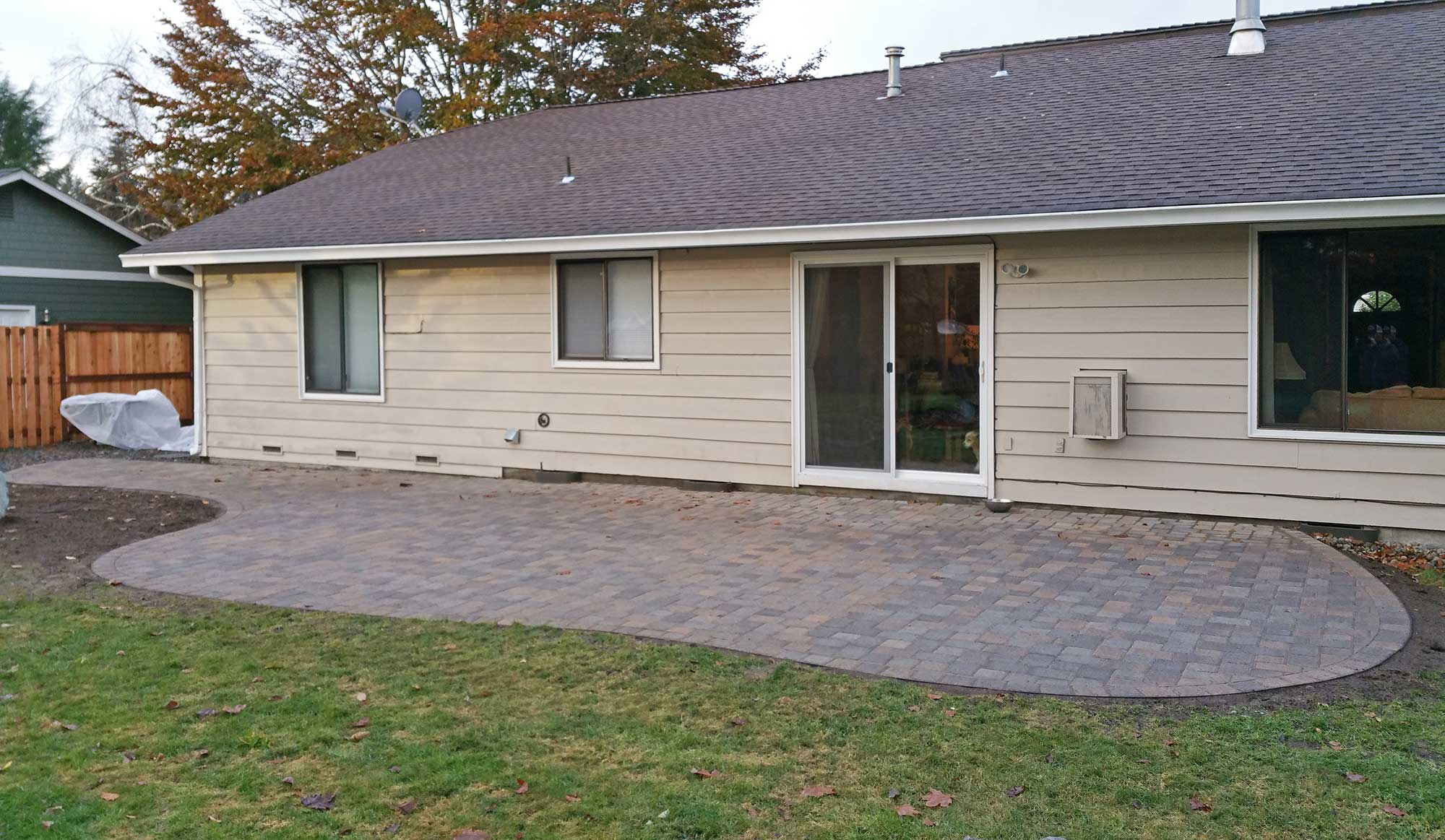 Paver Patio Amp Fence In South Olympia Ajb Landscaping Amp Fence