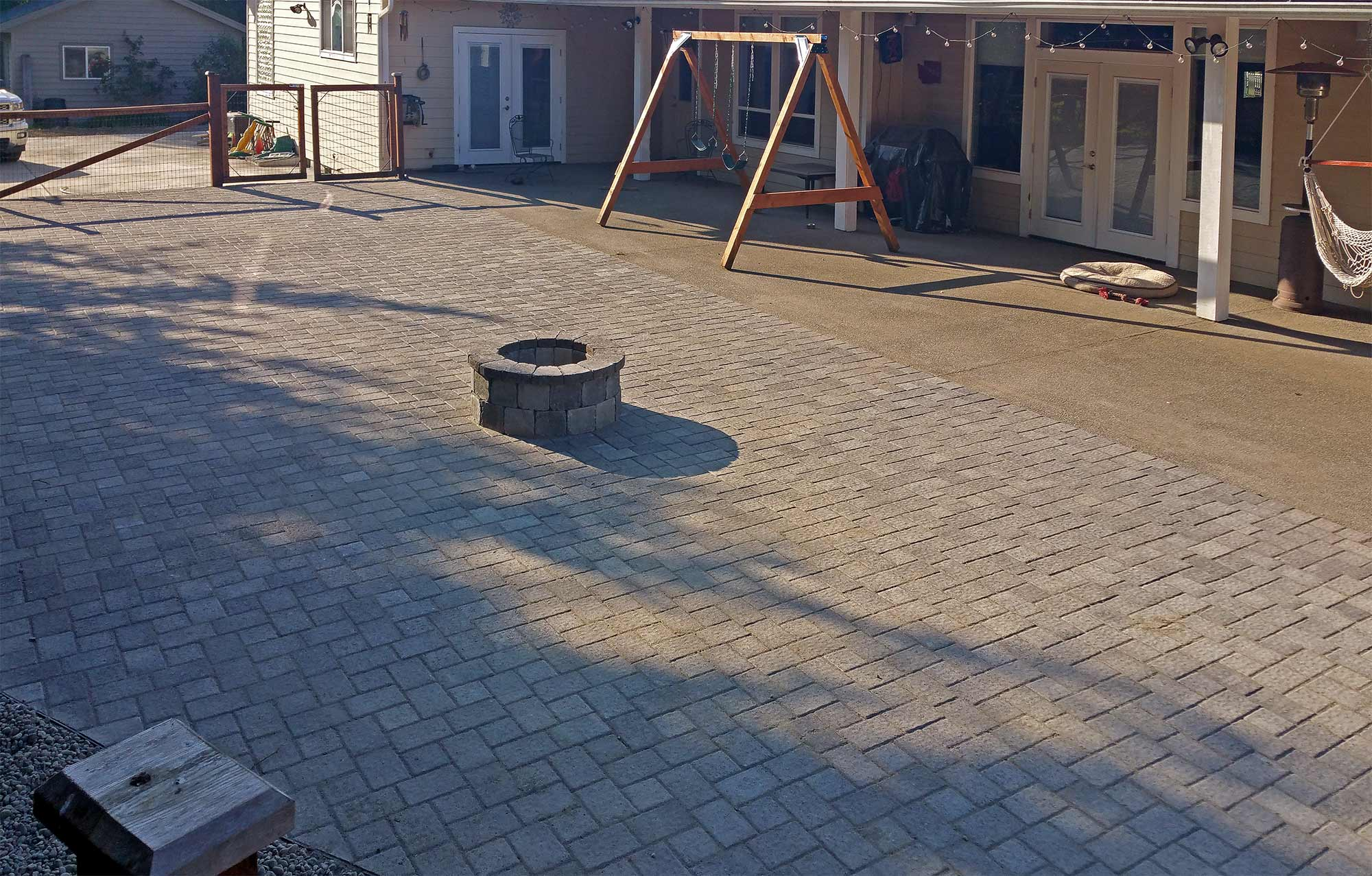Cambridge Paver Patio & Fire Pit