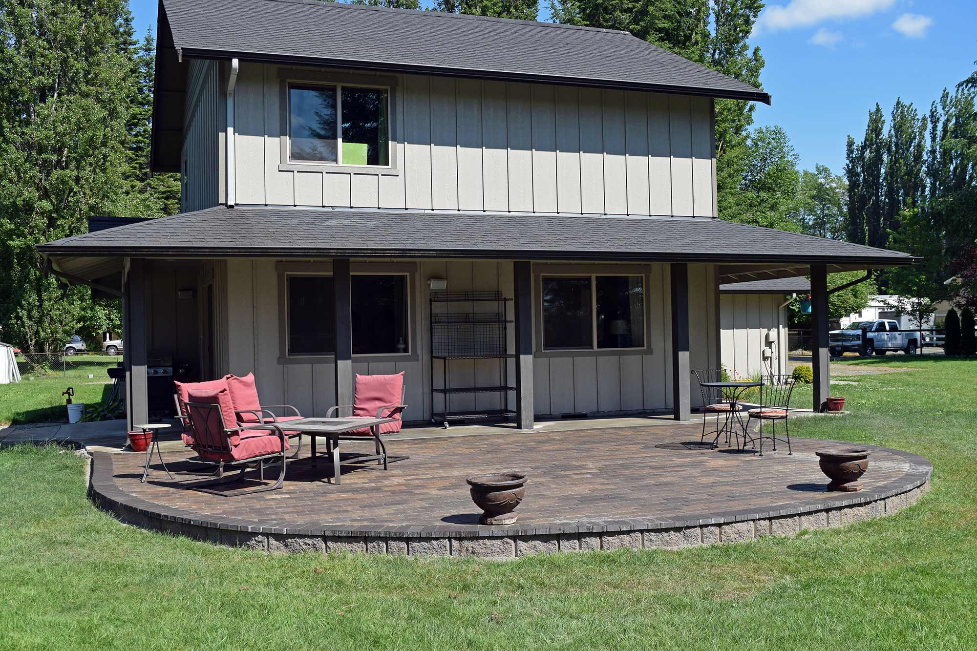 Finished Raised Paver Patio Finished Raised Paver Patio ...