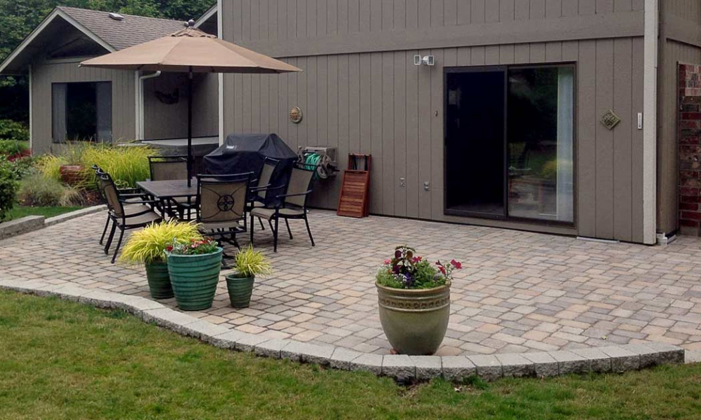 Roca -Style Paver Patio with Muster-K Pattern